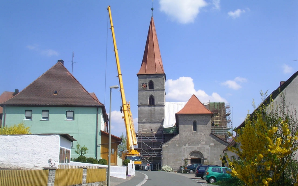 Weithin sichtbar: Die Renovierungsarbeiten.